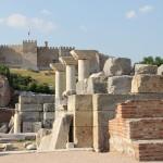 La basilique Saint-Jean et la citadelle de Selçuk