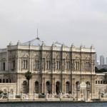 Façade du palais de Dolmabahçe côté Bosphore