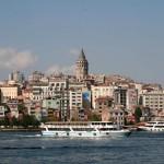 La tour de Galata au-dessus du quartier de Karaköy