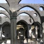L'église arménienne Surp Giragos à Diyarbakır, avant sa restauration