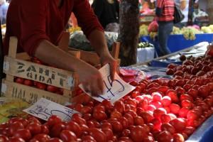 Tomates sur le marché de Söke
