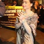 Une belle participante au carnaval de Tatavla