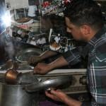 Un sirop pour recouvrir le künefe une fois cuit