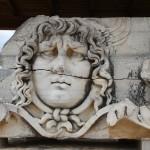 Tête de Méduse du temple d'Apollon de Didymes
