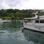 Bateaux de plaisance dans la baie d'Istinye