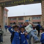 Devant une école à Nusaybin