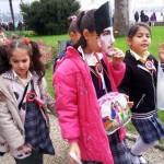 Ecoliers d'Istanbul venant rendre hommage à Atatürk