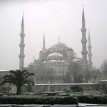 24.12.2005 - un groupe de touristes affronte la neige