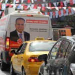 Voiture sonore dans les rues d'Istanbul