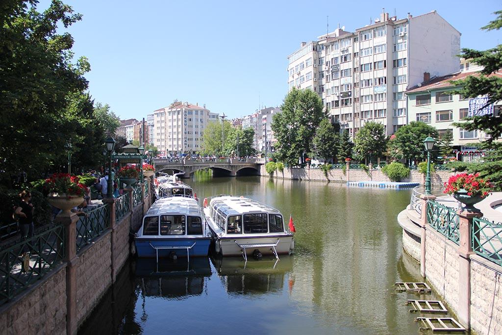 La rivière Porsuk qui traverse Eskişehir