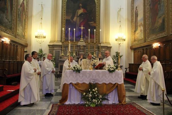 Cérémonie pascale cathédrale Saint John à Izmir