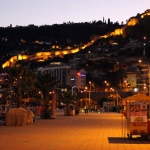 La forteresse d'Alanya de nuit