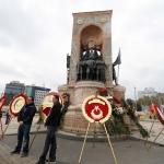 Taksim après la cérémonie commémorative de la mort d'Atatürk