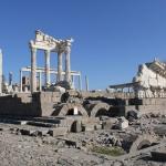 Temenos de Trajan, Acropole de Pergame