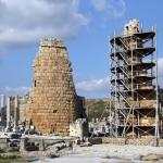 Tours hellénistiques de Pergé