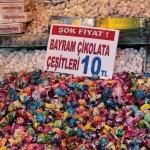Vente de bonbons pour la fête du sucre à Eminönü