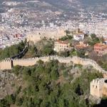 Vue sur une partie de la forteresse d'Alanya