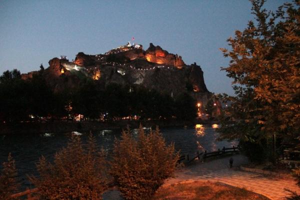 Citadelle d'Osmancık de nuit