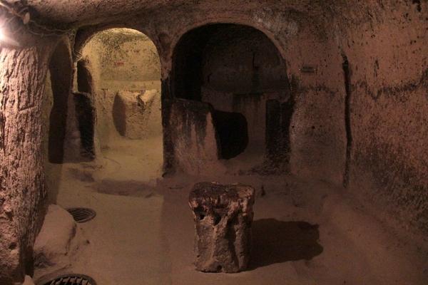 Chapelle de la ville souterraine de Cappadoce
