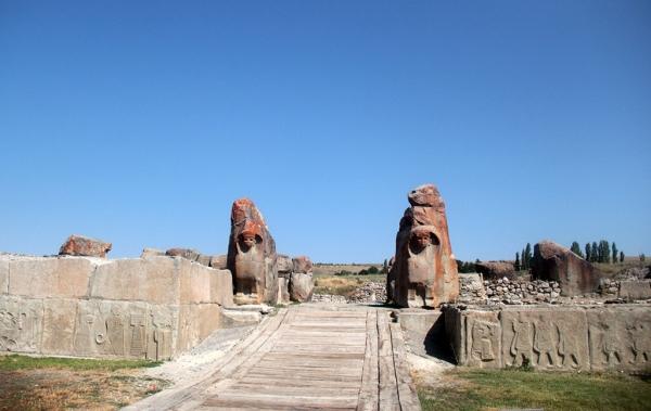 Porte des sphinx à Alaca Höyük