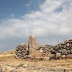 Remparts sur le site de Hattuşa
