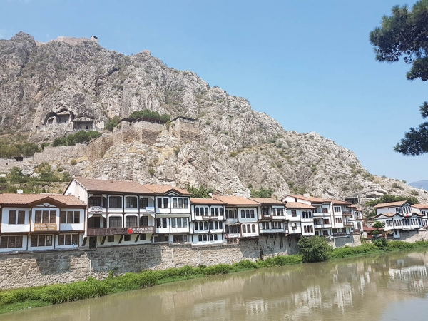Amasya, ses superbes demeures et ses tombes royales