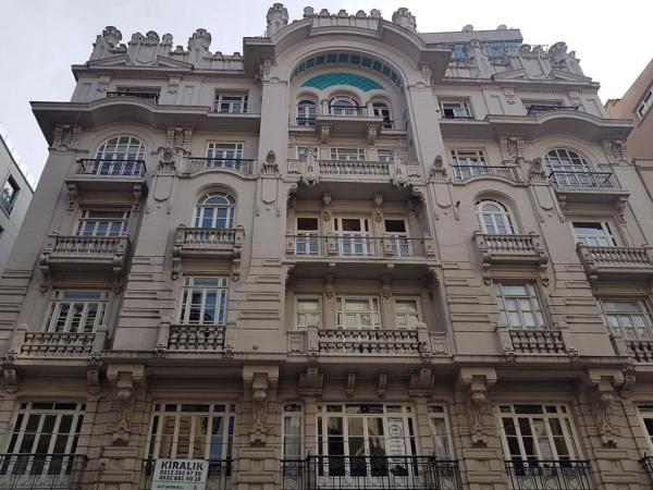 Mısır Apartmanı sur l'avenue Istiklal à Istanbul