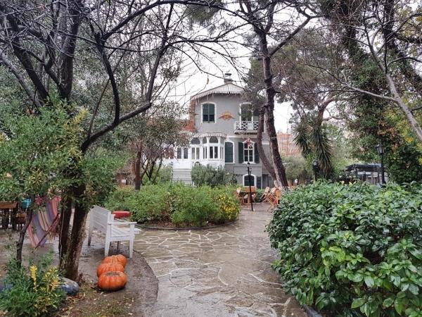 ancienne villa levantine de Bornova/Izmir transformée en café