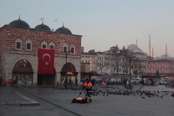 Devant le bazar égyptien d'Istanbul