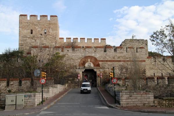Une des portes des murailles byzantines d'Istanbul