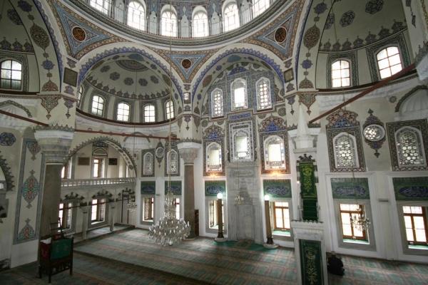 Salle de prière de la mosquée Gazi Ahmet Paşa - Istanbul