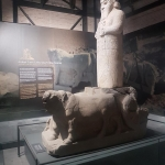 Statue du dieu des tempêtes Tarhun avec son véhicule, musée d'Adana