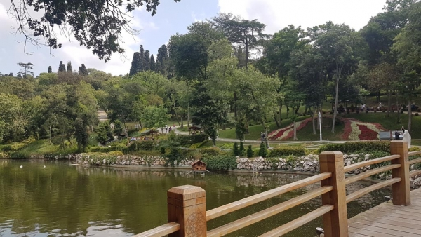 Un des plans d'eau du parc de Yıldız, Istanbul