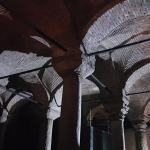Le plafond de la citerne-basilique d'Istanbul