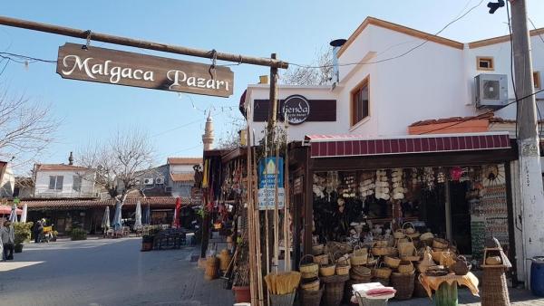 Le bazar de Malgaca à Urla